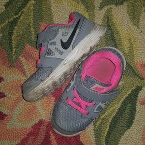 Toddler 8 girls Nike